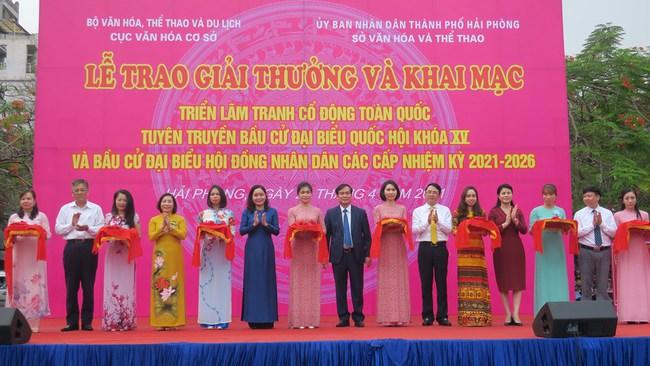 400 tác phẩm tham dự Cuộc thi sáng tác tranh cổ động tuyên truyền bầu cử đại biểu Quốc hội khóa XV và đại biểu HĐND các cấp nhiệm kỳ 2021-2026 - Ảnh 1.