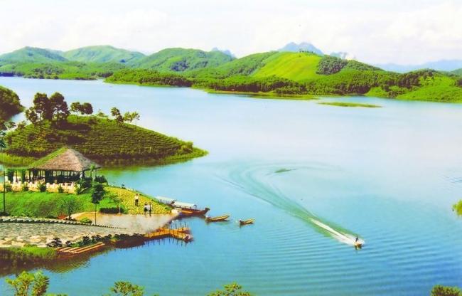 Yên Bái ban hành Chương trình hành động thực hiện Nghị quyết số 28 của BCH Đảng bộ tỉnh khóa XIX về phát triển du lịch - Ảnh 1.
