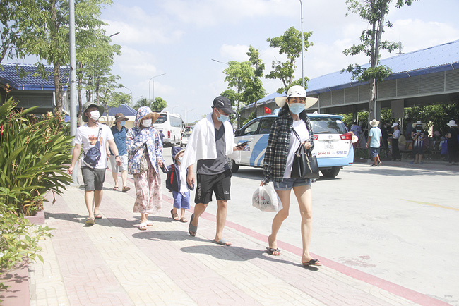 Tìm giải pháp để phục hồi du lịch Khánh Hòa - Ảnh 1.