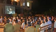 Trả lời kiến nghị của cử tri tỉnh Thái Nguyên về hoạt động chiếu phim lưu động và quy định cụ thể việc hát Quốc ca