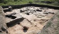 Việc xin cấp phép thăm dò, khai quật khảo cổ phải tuân thủ trình tự, thủ tục nào? Ai có thẩm quyền đình chỉ thăm dò, khai quật khảo cổ?