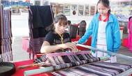 Công nhận Nghề dệt thổ cẩm truyền thống của người Hrê là Di sản văn hóa phi vật thể quốc gia
