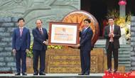 Thủ tướng Nguyễn Xuân Phúc trao Bằng xếp hạng Di tích Quốc gia đặc biệt gò Đống Đa