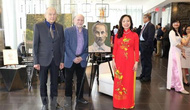 Họa sỹ Canada: Chủ tịch Hồ Chí Minh phi thường nhưng rất gần gũi