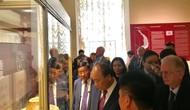 Thủ tướng Nguyễn Xuân Phúc thăm triển lãm