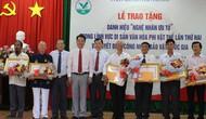 Vĩnh Long: Trao tặng danh hiệu