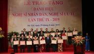 Thủ tướng Nguyễn Xuân Phúc: Các nghệ sỹ thực sự là những ngôi sao chiếu sáng bầu trời nghệ thuật của Việt Nam