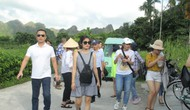 Hơn 60% người Việt Nam đi du lịch nước ngoài vẫn sử dụng tiền mặt