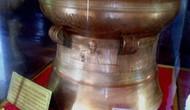 Bàn giao trống đồng cho Khu di tích Kim Liên