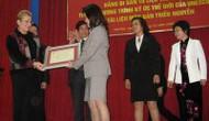 Đón nhận Bằng Di sản tư liệu thế giới của UNESCO cho tài liệu mộc bản triều Nguyễn