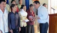 Công đoàn Bộ VHTTDL trao quà ủng hộ đồng bào các tỉnh miền Trung khắc phục thiên tai, bão lũ số 10 và số 11