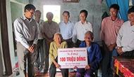 Công đoàn Bộ trao 100 triệu đồng xây nhà tình nghĩa cho gia đình liệt sĩ tại tỉnh Quảng Bình