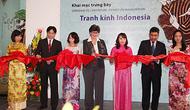 Trưng bày bộ sưu tập những bức tranh kính của Indonesia