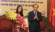 """Tặng Kỷ niệm chương """"Vì sự nghiệp Văn hóa, Thể thao và Du lịch"""" cho các cá nhân tỉnh Gia Lai và TP. HCM"""