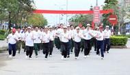 Bộ trưởng Nguyễn Ngọc Thiện tham gia Ngày chạy Olympic Vì sức khỏe toàn dân
