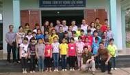 Công đoàn Bộ VHTTDL: Thăm và tặng quà cho các cháu mồ côi ở Lạng Sơn