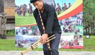 Trình diễn nghệ thuật Khèn Mông của Sơn La tại