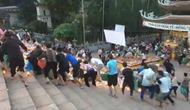 Bộ VHTTDL yêu cầu Hà Nội chấn chỉnh hiện tượng tranh giành lộc tại các lễ hội