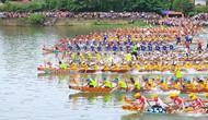 Hàng nghìn người tham gia Lễ hội đua thuyền trên quê hương Đại tướng Võ Nguyên Giáp