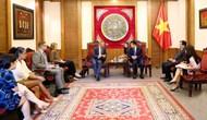 Bộ trưởng Nguyễn Ngọc Thiện tiếp Ngài Gareth Ward Đại sứ Anh tại Việt Nam đến chào xã giao nhân dịp mới nhận nhiệm kỳ tại Việt Nam
