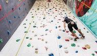 Quy định về cơ sở vật chất, trang thiết bị và tập huấn nhân viên chuyên môn đối với môn Leo núi thể thao