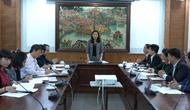 Thứ trưởng Trịnh Thị Thủy làm việc với Hội Thư viện Việt Nam