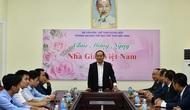 Thứ trưởng Lê Khánh Hải chúc mừng các thầy cô giáo, cán bộ, công nhân viên Trường Đại học TDTT Bắc Ninh