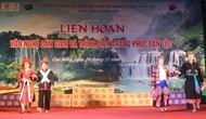 Liên hoan văn nghệ dân gian và trình diễn trang phục dân tộc tại Cao Bằng