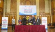 Học viện Âm nhạc Quốc gia Việt Nam và Hội đồng chấm thi âm nhạc Quốc gia Úc ký biên bản ghi nhớ