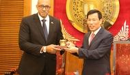 Bộ trưởng Nguyễn Ngọc Thiện tiếp Đại sứ Cuba tại Việt Nam