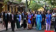 Phu nhân, phu quân lãnh đạo APEC tham quan phố cổ Hội An