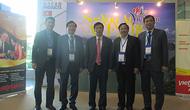 Bộ trưởng Nguyễn Ngọc Thiện thăm Gian hàng Việt Nam tại Hội chợ TRAVEX