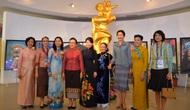 Phu nhân Trưởng đoàn các nước tham dự HNTĐ GMS 6 và HNCC CLV 10 tham quan Bảo tàng Phụ nữ Việt Nam