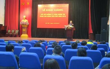 Khai giảng lớp bồi dưỡng lý luận chính trị dành cho đảng viên mới