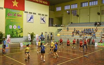120 vận động viên tham dự Giải vô địch bóng chuyền hơi nữ tỉnh Bình Thuận 2021