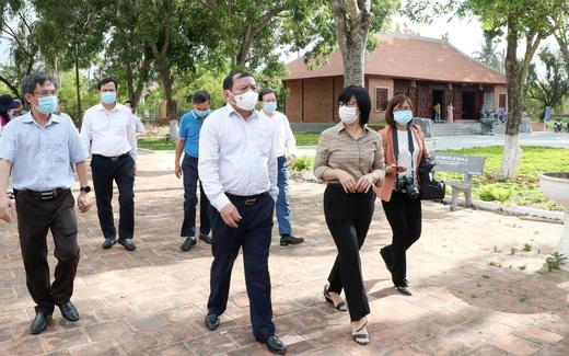 Bộ trưởng Nguyễn Văn Hùng thăm di tích khảo cổ thời đại Đá cũ Rộc Tưng và Khu di tích lịch sử - văn hóa Tây Sơn Thượng (Gia Lai)