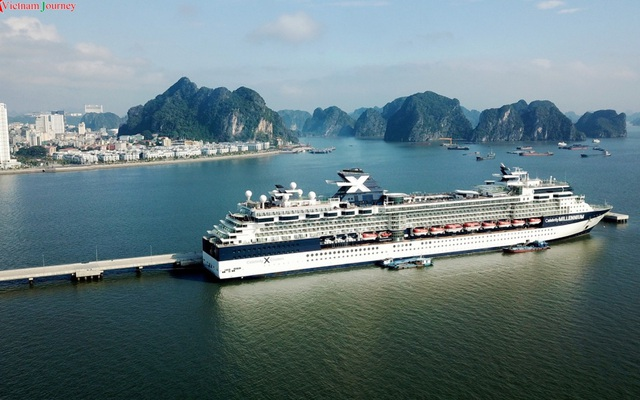 Hơn 4 triệu lượt khách đến vịnh Hạ Long trong năm 2019