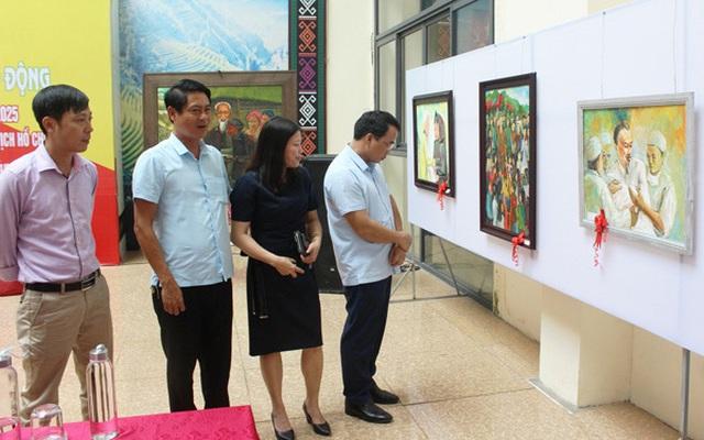 Lào Cai: Khai mạc Triển lãm tranh mỹ thuật – tranh cổ động chào mừng Đại hội Đảng bộ tỉnh lần thứ XVI